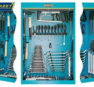Työkalukaapit työkaluilla